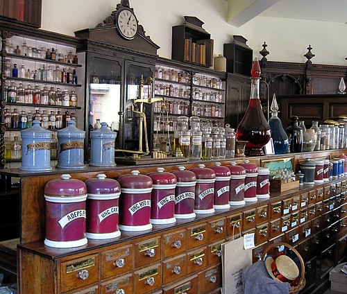 Chemists's Shop, Blist Hill Victorian Town, Ironbridge | by Snapshooter46
