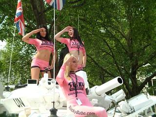 Babes on a Tank(plck)