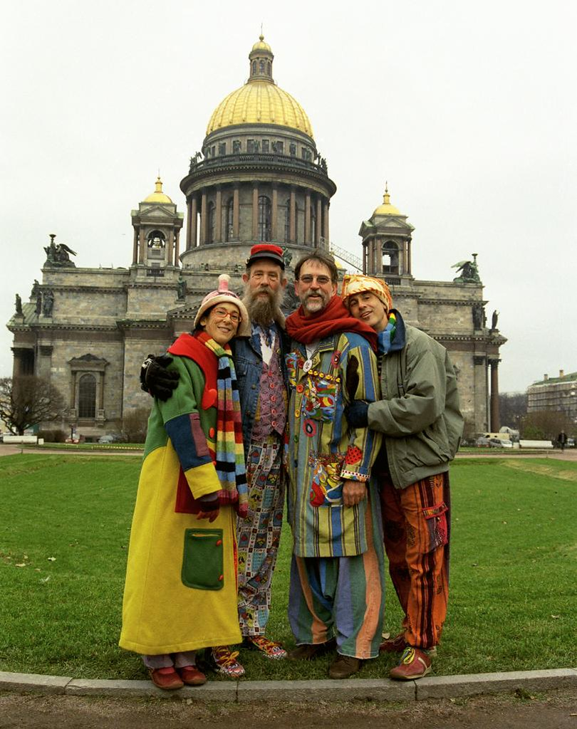 Group Shot 1(John Glick/Russia Clown Trip 2004)