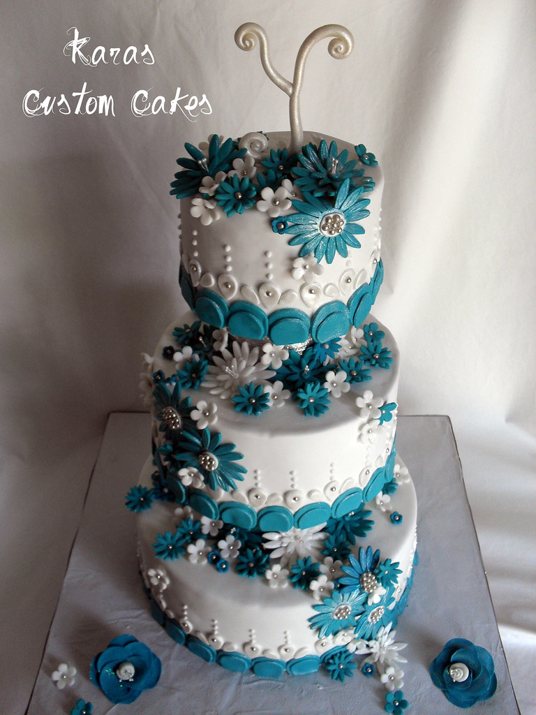 Teal and White Daisy Wedding Cake