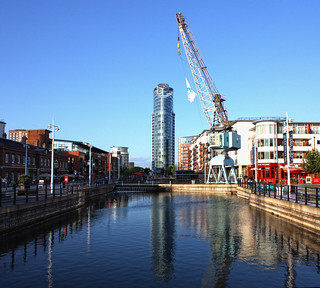 No1 Tower Gunwharf Quays and Crane | by Hexagoneye Photography