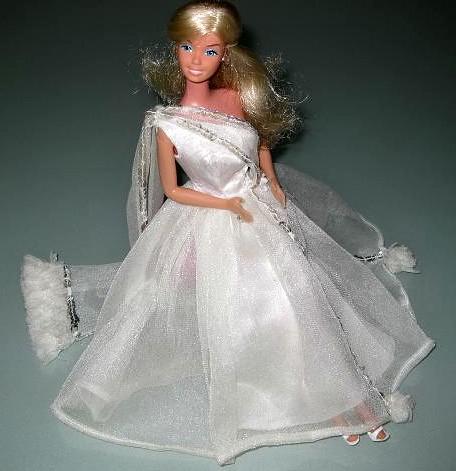 #9836 Spotlight On Romantic White! (1977)
