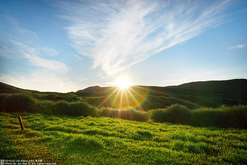 cloud sun sunrise nationalpark nikon taiwan tokina taipei 台灣 台北 grassland 雲 太陽 陽明山 天空 yangmingshan 2010 擎天崗 草原 7月 日出 國家公園 雲彩 早晨 chingtienkang d80 t116 nikond80 tokinaatx1116mmf28prodx