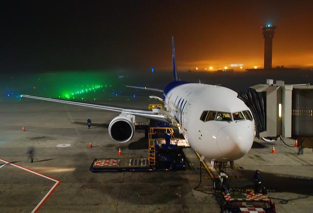 LAN Boeing 767-316ER; CC-CWN@SCL;21.06.2008/513aa