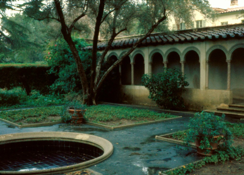 Courtyard at Scripps College in the Claremont Colleges, 19