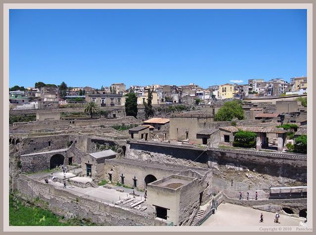 ♫ ♫ ♫ Naples : Herculaneum, two cities