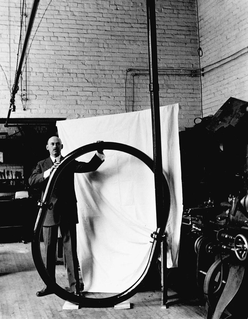 Goddard with Vacuum Tube Device