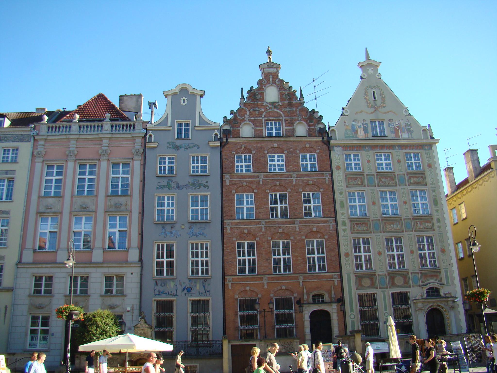 edificios en calle Dlugi Gdansk Polonia