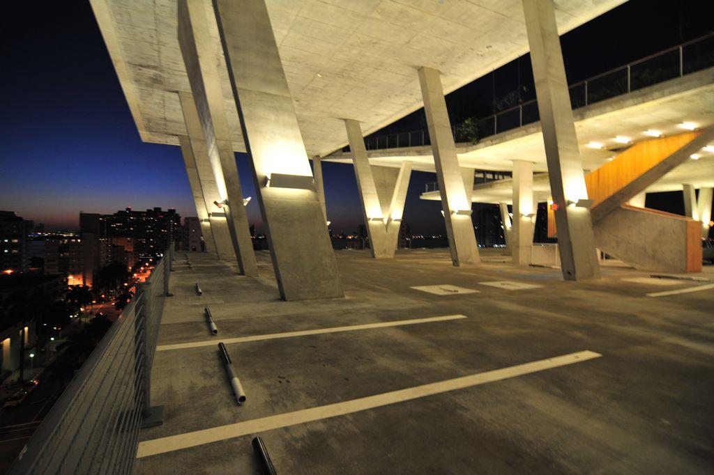 Herzog & de Meuron - Miami 1111 Lincoln Road Parking 張基義老師拍攝 16.jpg