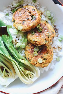 oven baked salmon cakes | by Hapaway