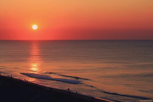vacation sun beach sunrise sand surf waves southcarolina myrtle atlanticocean picnik sharksteeth flickryes myrtlebeach2010 mbgood imissitandiwanttogobacknow