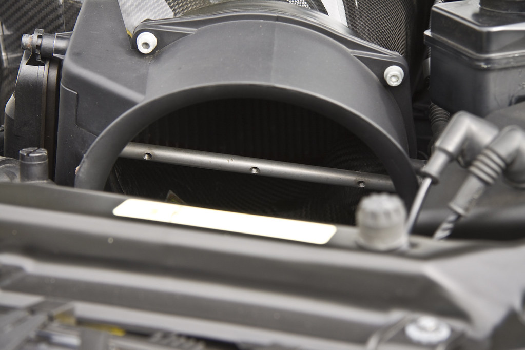 Bmw E46 M3 Csl Air Intake Flap Removed For Extra Induction Flickr