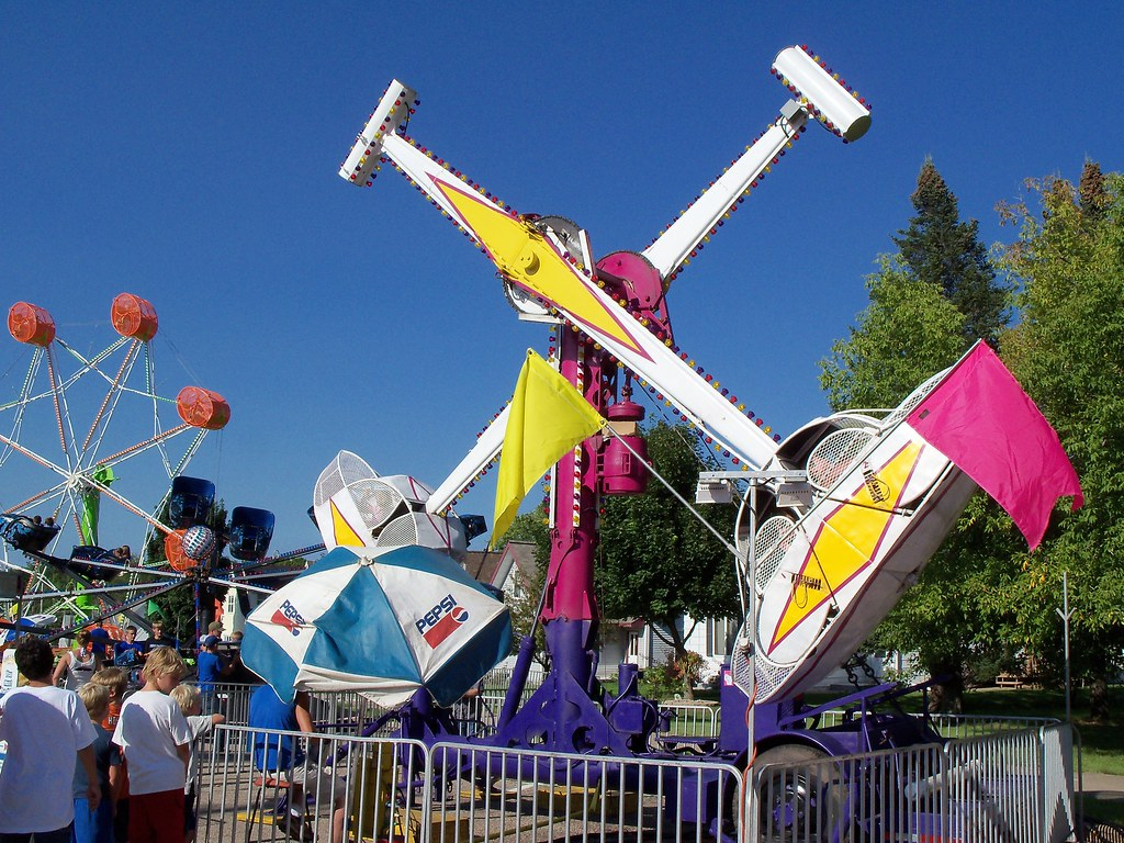 Three Eyerly Rides In A Row At The Athens Fair, Rock O Pla