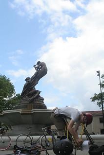 Statue & Dan | by ndanger
