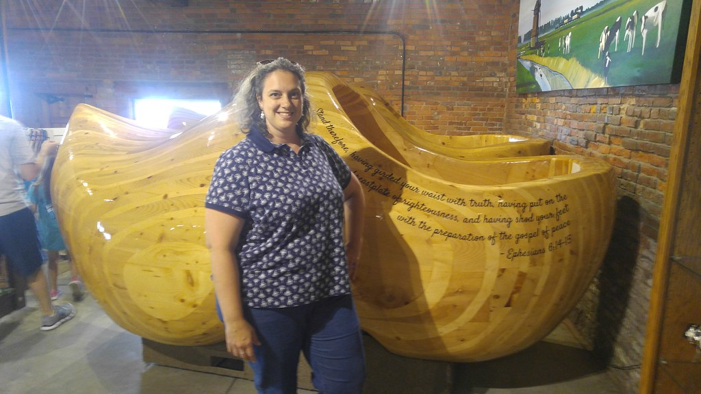 Worlds Largest Wooden Shoes Casey Il Worlds Largest Wo Flickr