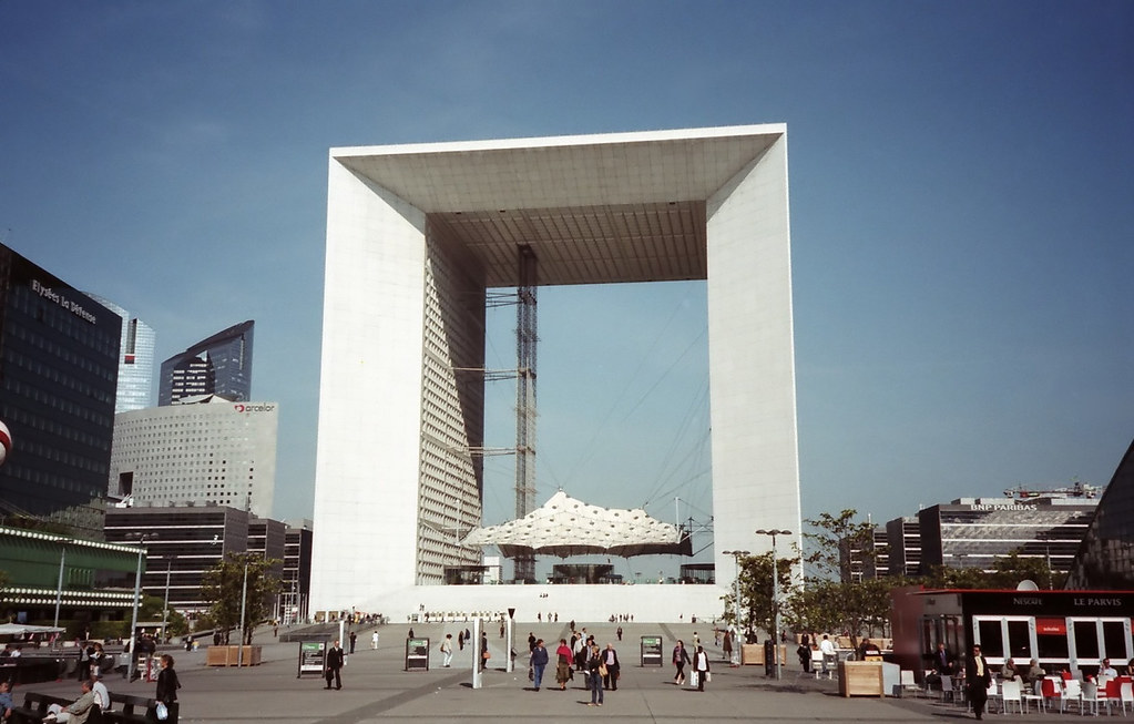 Ultra Modern Architecture Of La Grande Arche De La Defense Flickr