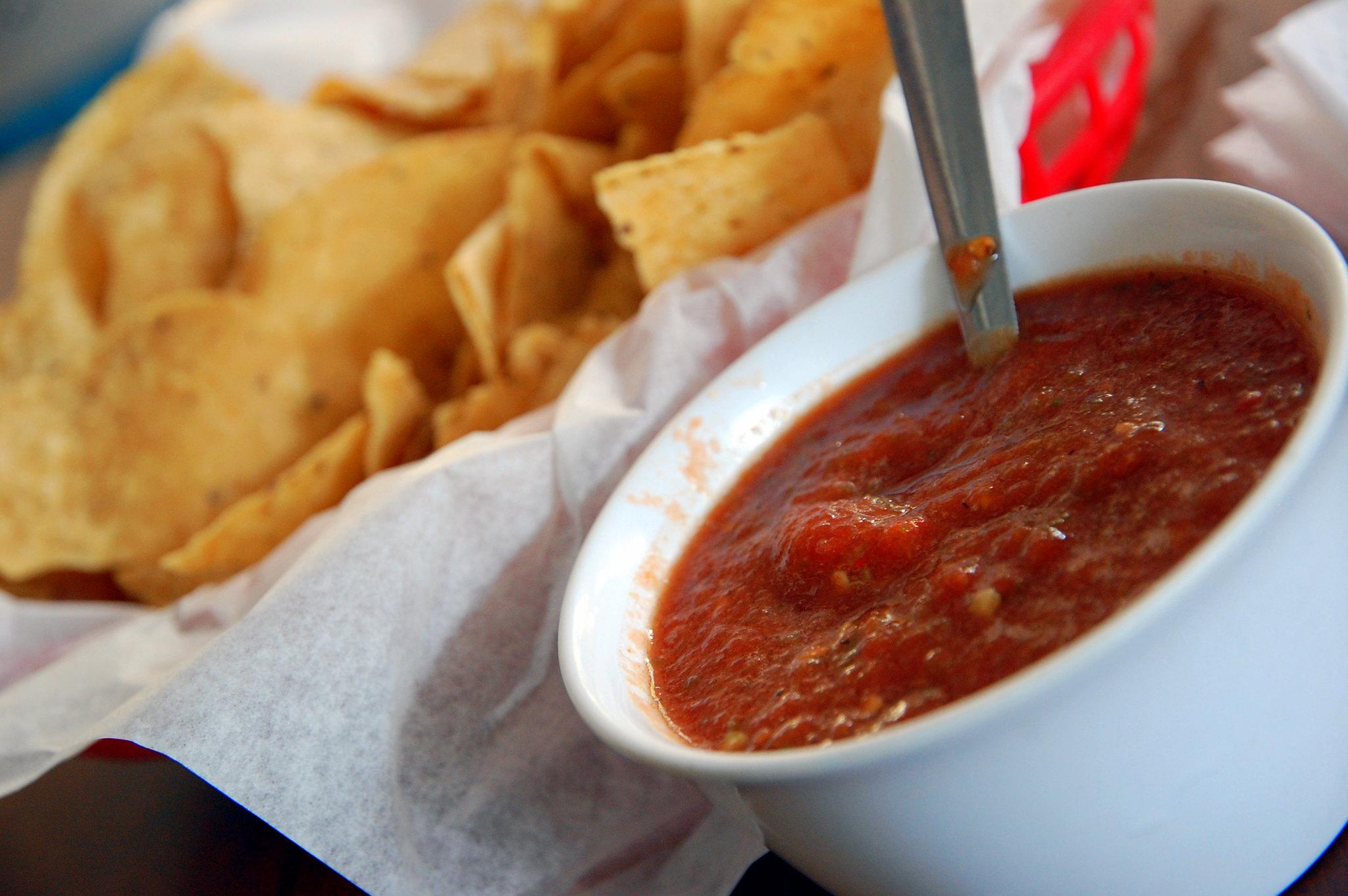 Chips 'n' HOT Salsa