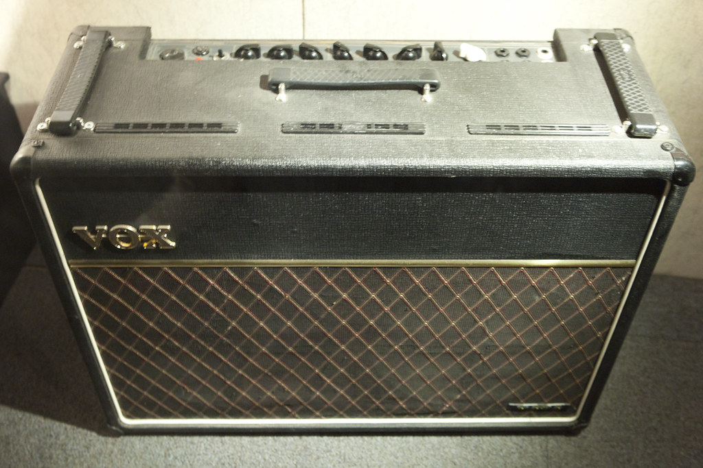 Dating Vox AC30 ampere