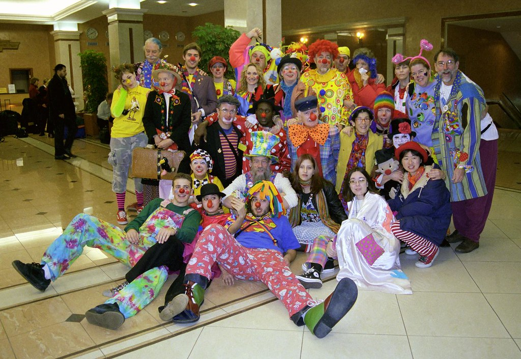 Group Shot 2(John Glick/Russia Clown Trip 2004)
