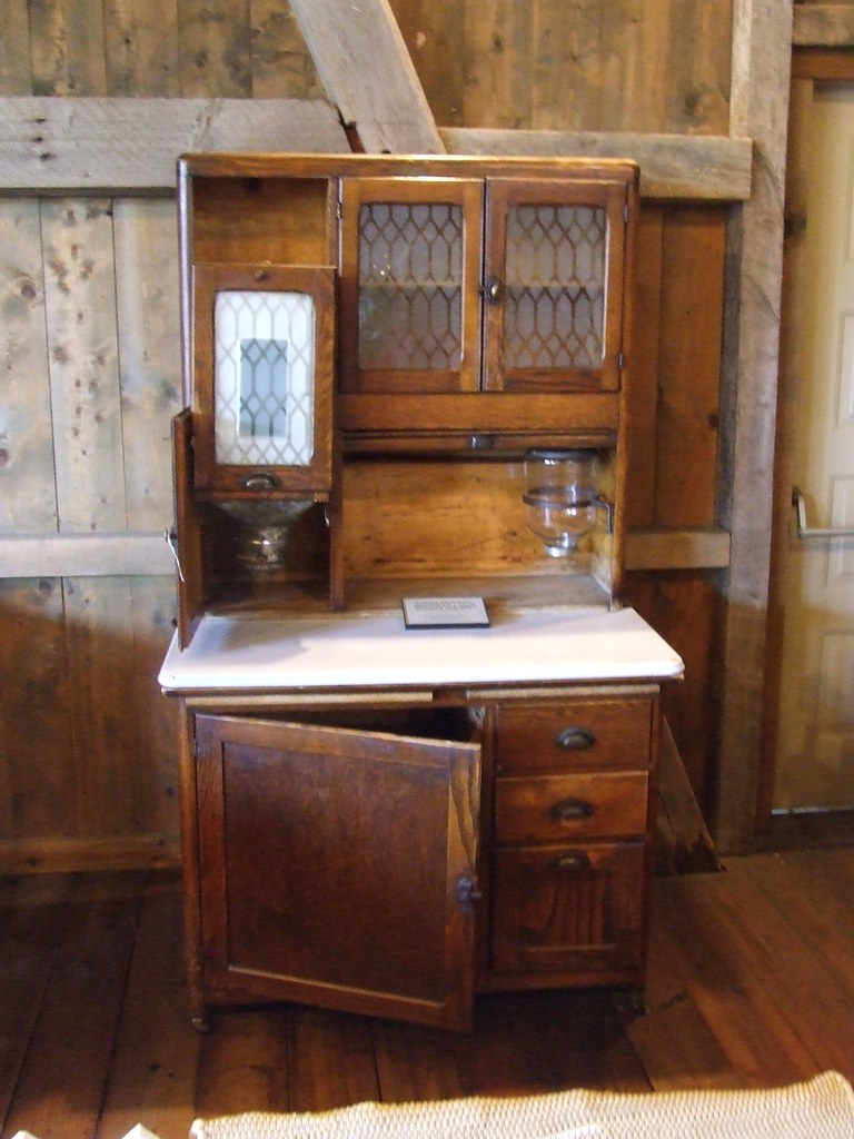 Amish Furniture On Display Were Several Kitchen Cabinets M