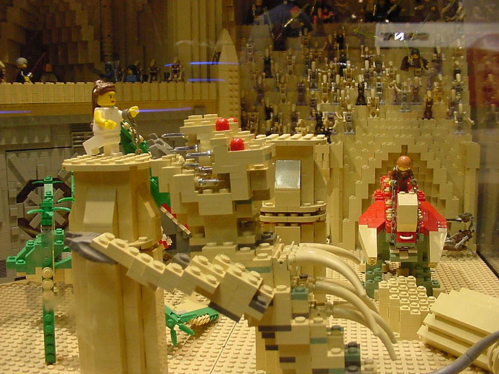 Star Wars Celebration Ii Lego Geonosis Arena The Conmunity Pop