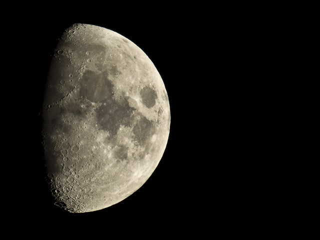 Luna creciente, D.