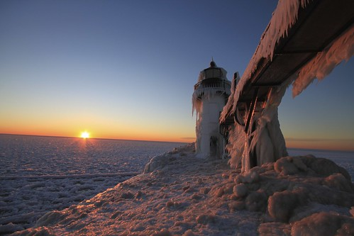 winter light sunset sunlight snow cold west ice nature beauty canon photography eos rebel power michigan freezing stjoseph greatlakes temperature frigid stjoe topshots t1i