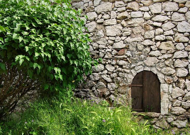 Porte basse - Trigance (Var)