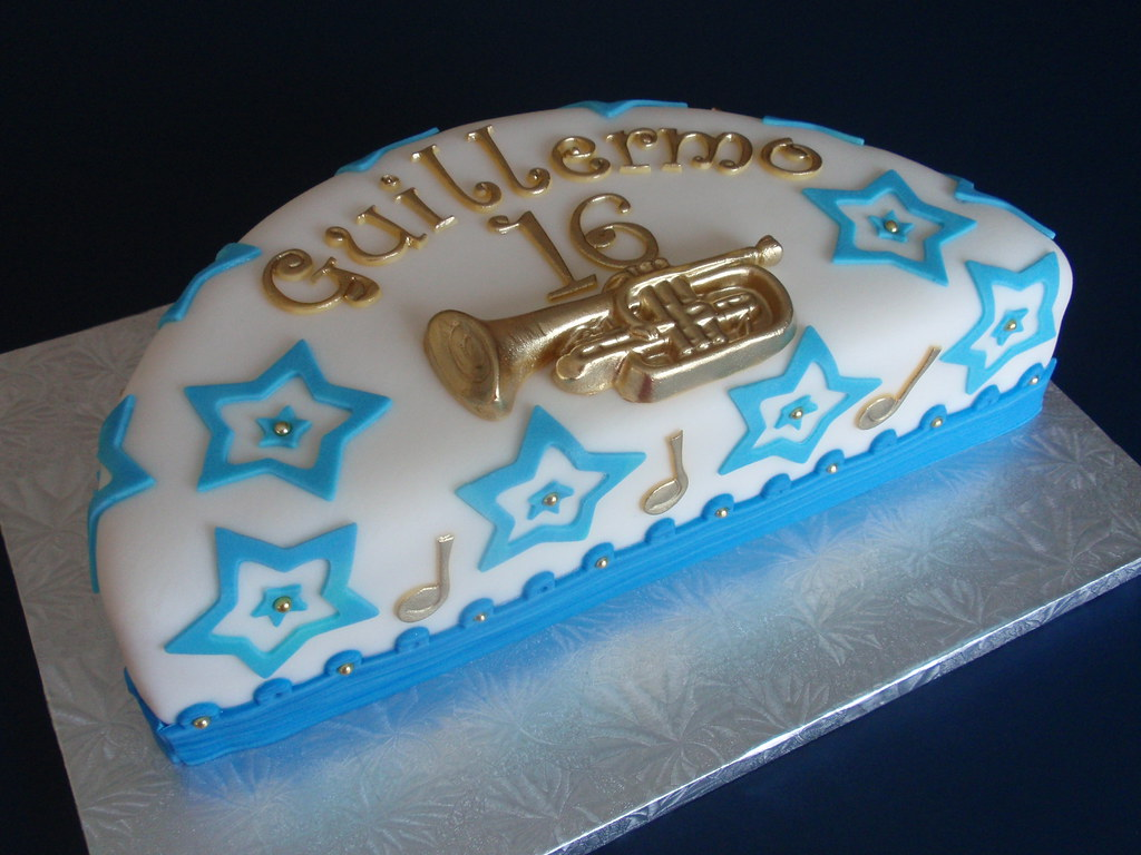 Enjoyable Musical Birthday Cake This Is A 12 Cake Cut In Half I Us Flickr Funny Birthday Cards Online Alyptdamsfinfo