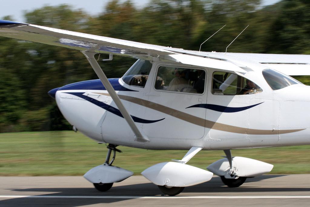 1963 Cessna 172D N2740U | The Cessna 172 Skyhawk is a four-s