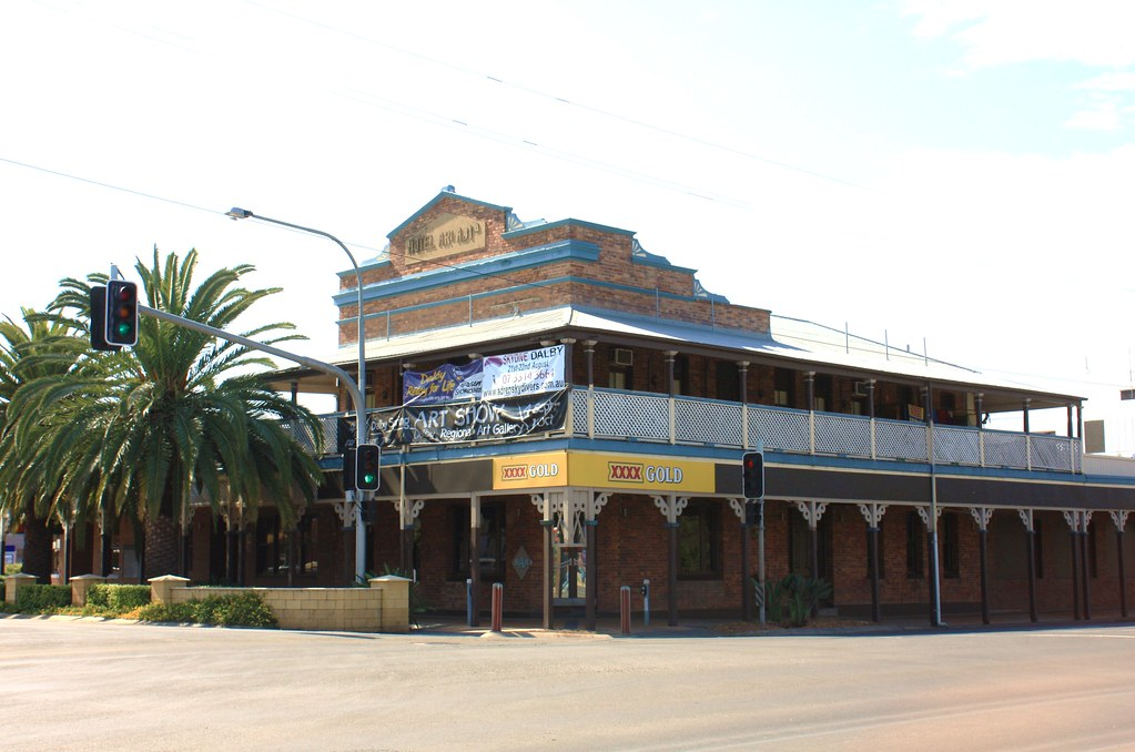 Country Club Hotel, Dalby, Qld by Jan Smith
