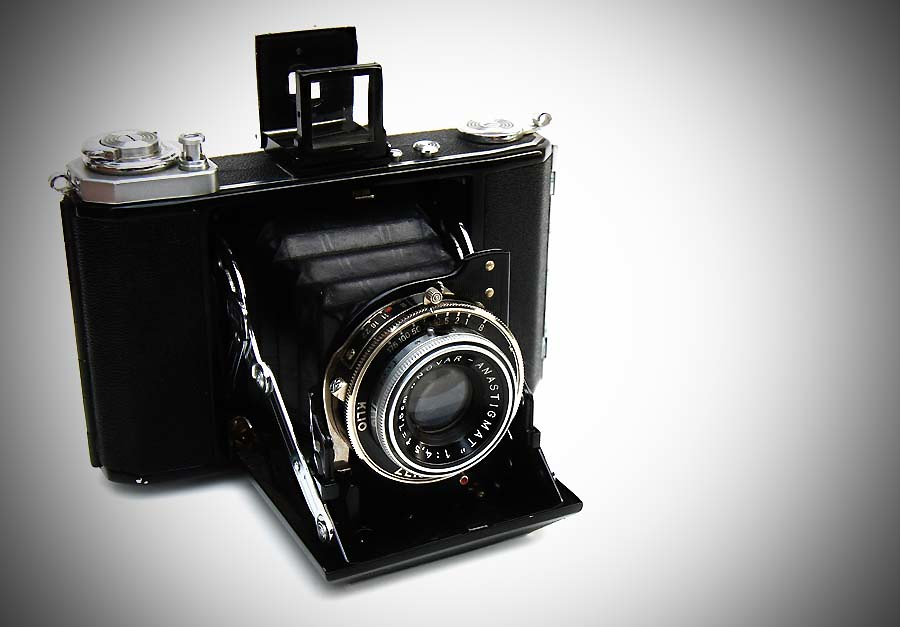 Zeiss Ikon Ikonta (521\16)   ©1938-1953 - this is the early