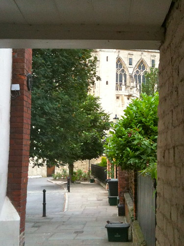 View of Gloucester Cathedral through gate | by Tip Tours
