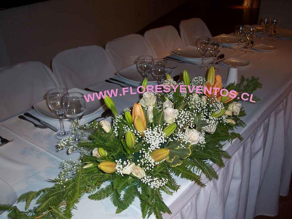 Arreglo Floral Para Mesa De Novios Fe Flores Y Eventos