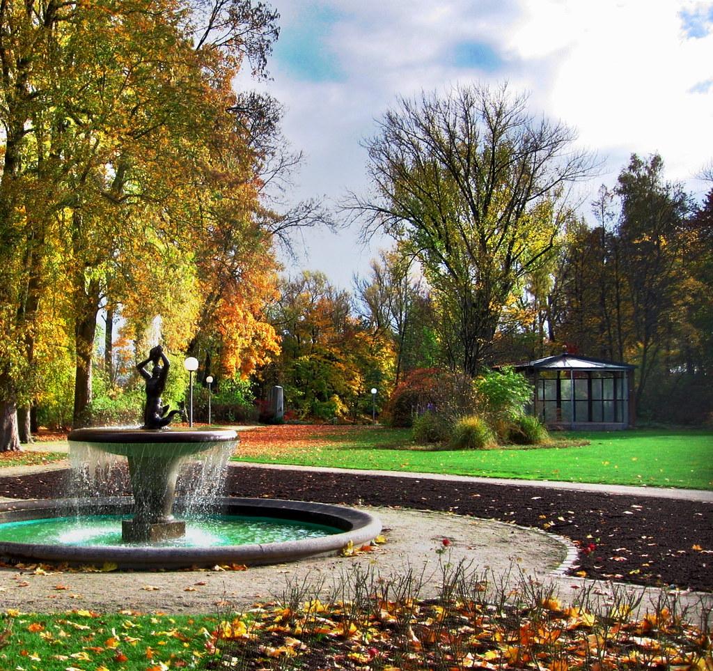 Max Reger Park 3 | SmenTrick | Flickr
