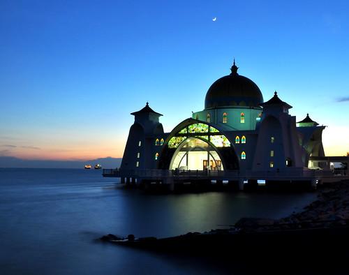 sunset evening nikon mosque malaysia melacca melaka 2010 d90 pulaumelaka 马六甲 melaccaisland melakacity melaccastraitmosque melaccacity 马六甲岛