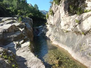 Entre le pont de Figa et la confluence Ricu : vasque-boyau (bien connue de ceux qui ont restauré le chemin qui passe non loin)