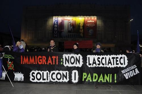 Siamo tutti sulla GRU! Corteo solidarietà immigrati   - Torino 27 novembre 2010