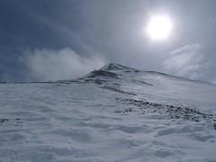 Sníh začíná nahrazovat suť…