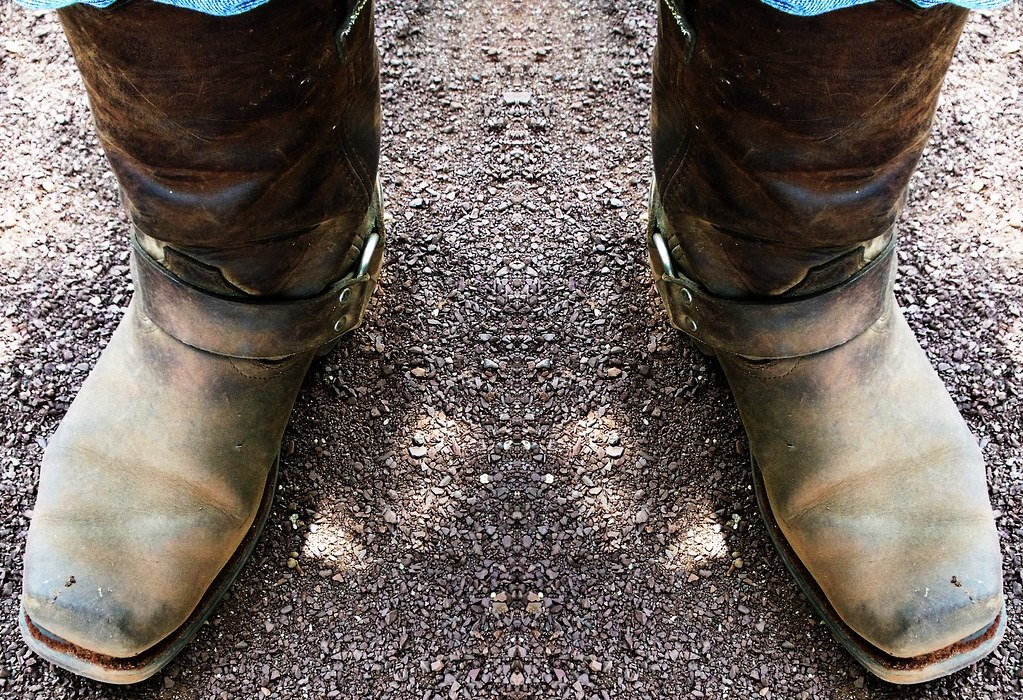 e42112fc331 Dusty Boots | I'm standing on top of a mound of sand. It was… | Flickr
