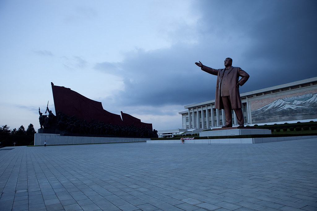 North Korea - Kim Il-Sung statue