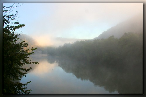 morning autumn red lake tree fall nature water beautiful leaves fog forest sunrise river landscape scenery seasons kentucky country calm canon40d peachesandolivia coppercloudsilvernsun
