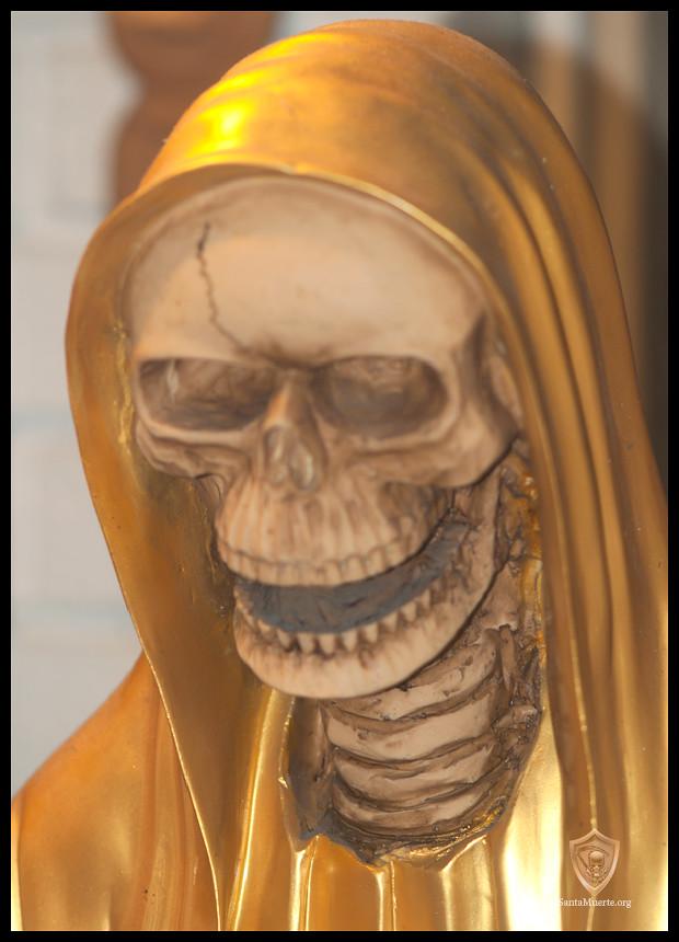 SANTA MUERTE - Cómo interpretar su vela de cristal de los 7-Días