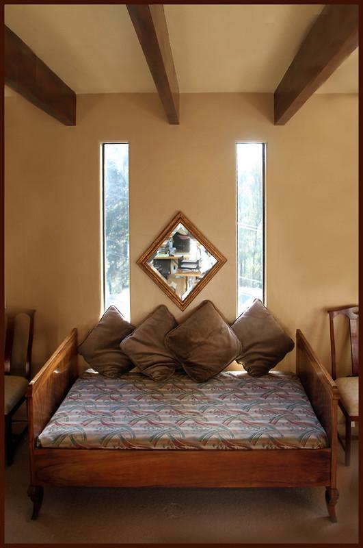 Dining room vertical window detail