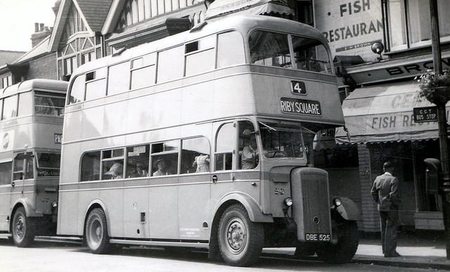 20, DBE 525, Daimler CVD6, Willowbrook Body (H57R)