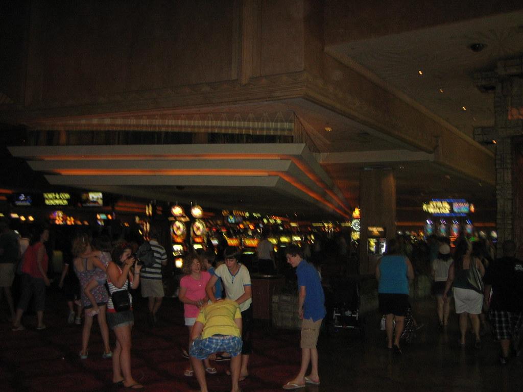 013-072910-Vegas Vacation MGM casino