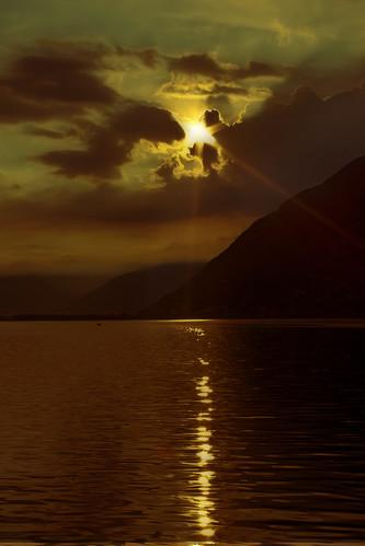 sunrise schweiz switzerland tessin ticino alba svizzera sonnenaufgang lagomaggiore mygearandmepremium mygearandmebronze