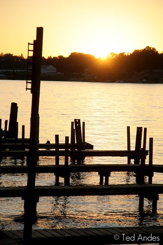 sunset water dock ky sony louisville ohioriver peir kingfish a700 sooc 16105mm
