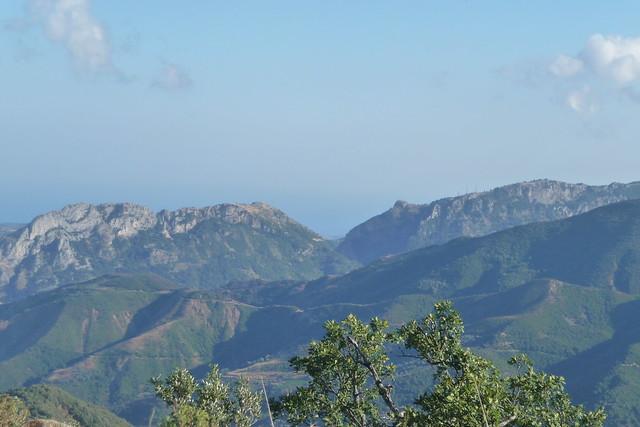 Monte Consolino e Mammicomito dal Piano del Gatto (Guardavalle)
