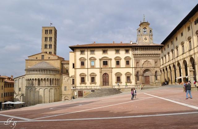 In giro per Arezzo con Adriana e poi .............. + 4)